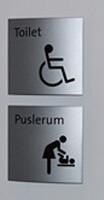 Handicaptoilet & Puslerums skilt